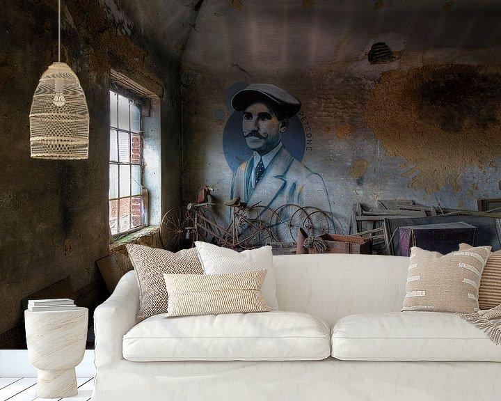 Beispiel fototapete: Pete One auf dem Dachboden von Truus Nijland