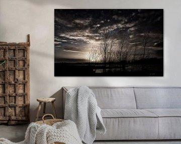 Donkere wolken bij zonsondergang van Rouzbeh Tahmassian