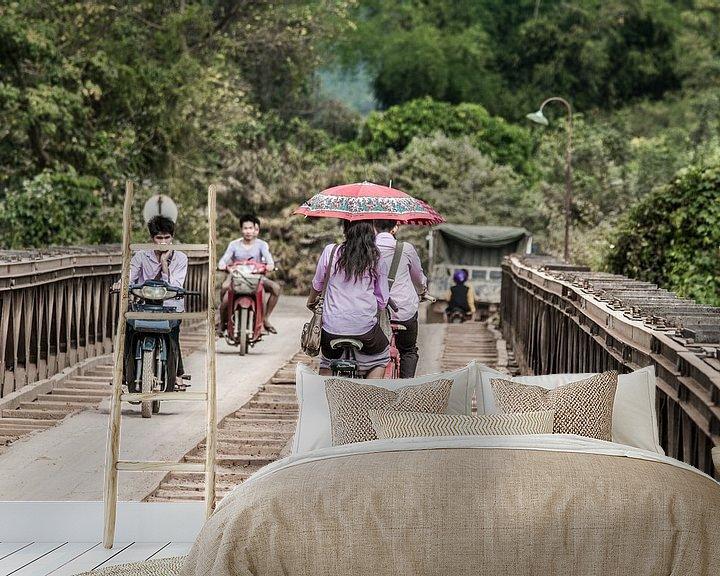 Beispiel fototapete: Die Brücke am Nam Song Fluss von Levent Weber
