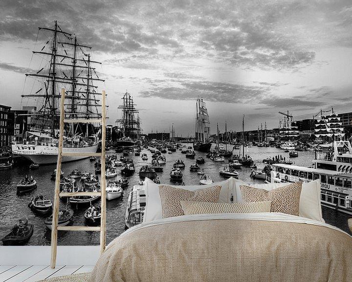 Sfeerimpressie behang: Sail Amsterdam 2015 in Zwart/wit van Ton de Koning
