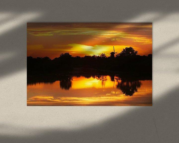 Sfeerimpressie: ? Daar bij die molen ..........? Zonsondergang molen water van R Smallenbroek
