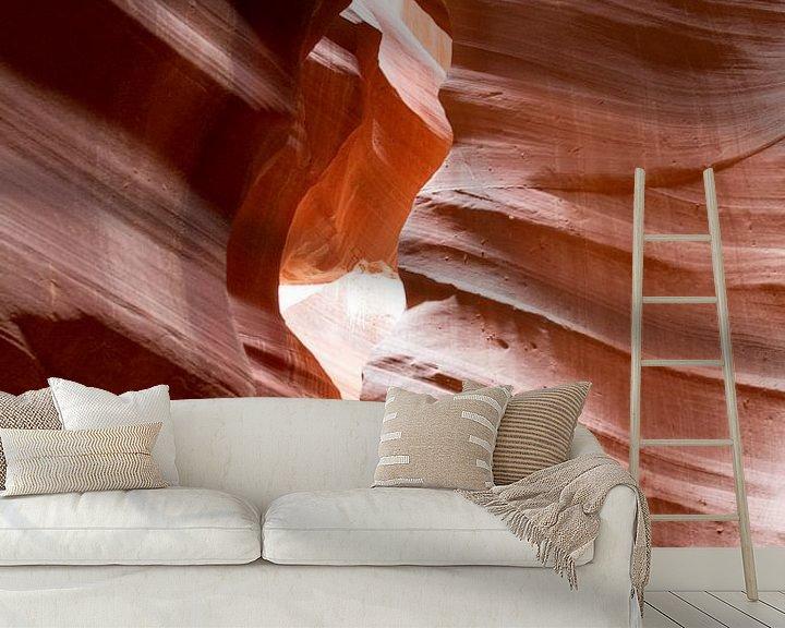 Sfeerimpressie behang: Rode rots in Antelope Canyon van Sander Meijering
