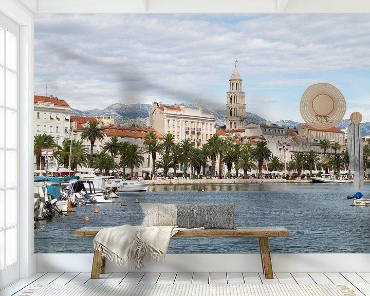 Sfeerimpressie behang: Skyline van Split in Kroatië van Sander Meijering