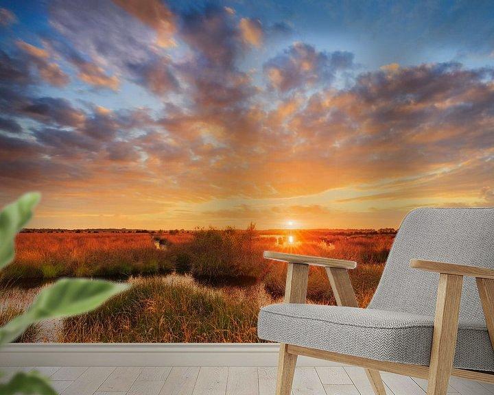 Sfeerimpressie behang: Zonsondergang boven het veen van Karla Leeftink