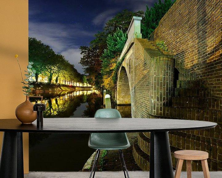 Sfeerimpressie behang: Catharijnesingel en Bijlhouwersbrug in Utrecht  van Donker Utrecht