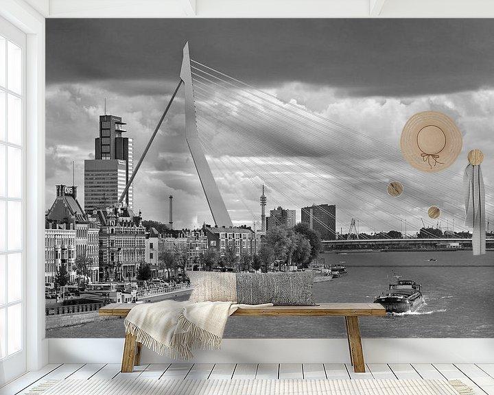 Sfeerimpressie behang: Erasmusbrug zwart wit te Rotterdam van Anton de Zeeuw