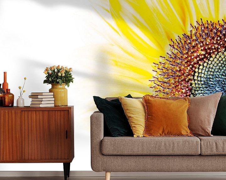 Sfeerimpressie behang: Zonnebloem structuur van Hans Wijnveen