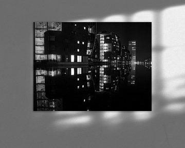 Paleiskwartier by night van Sander Wiessner