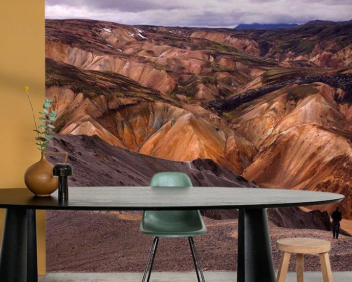 Sfeerimpressie behang: Colours of Landmannalaugar van Damien Franscoise