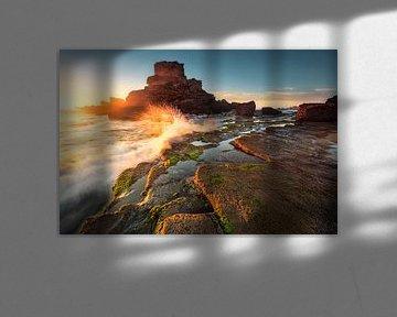 Golden Sunbeams (Praia de Castelejo / Algarve) van Dirk Wiemer