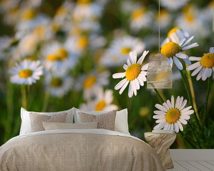 Sfeerimpressie behang: bloemen van Jan Roelof Brinksma