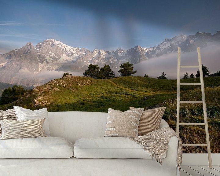 Sfeerimpressie behang: Daybreak in the Italian Alps van Damien Franscoise