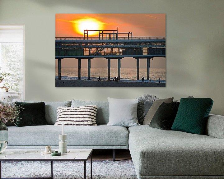 Sfeerimpressie: Zonsondergang bij de Pier van Scheveningen van Anton de Zeeuw