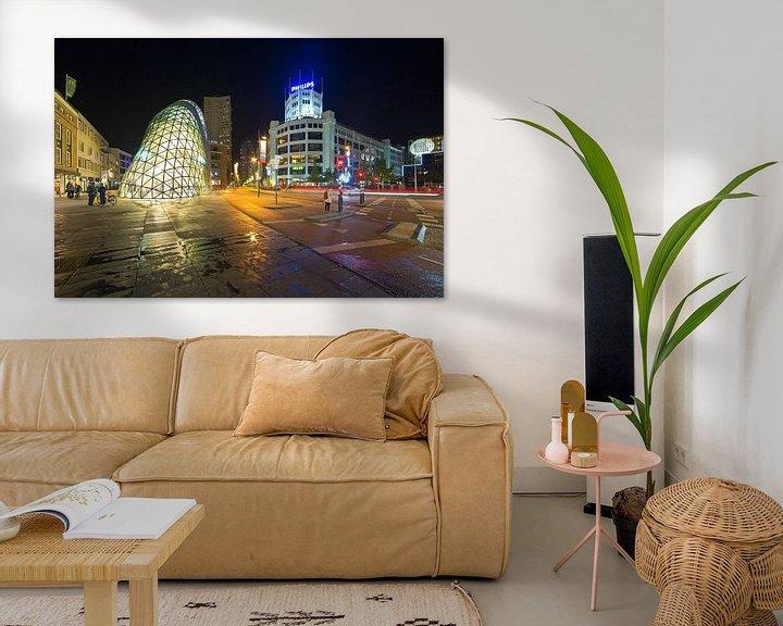 Sfeerimpressie: Eindhoven nachtfoto de Blob en Lichttoren van Anton de Zeeuw