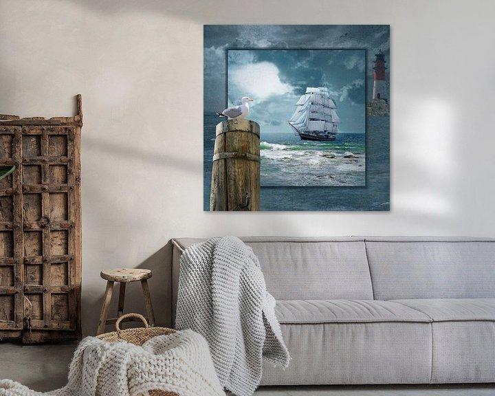 Sfeerimpressie: Collage met Zeilboot en de vuurtoren van Monika Jüngling