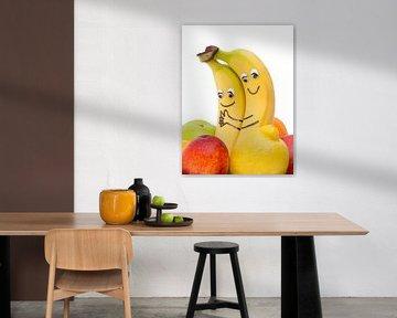 Zwei Bananen mit Augen und Mund von Ben Schonewille