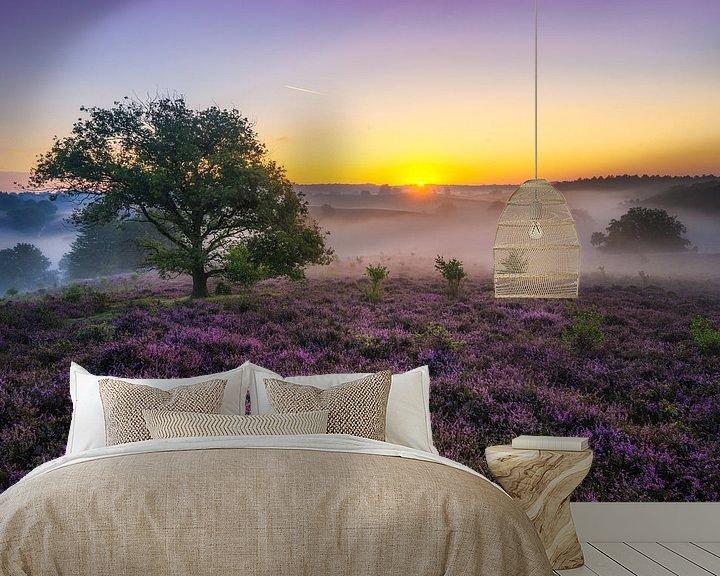 Sfeerimpressie behang: Posbank zonsopkomst met mist van Albert Dros