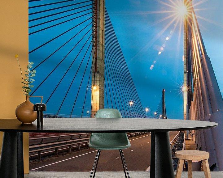 Sfeerimpressie behang: Sunny Bridge van Eric van Schaijk