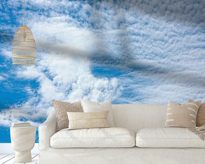 Sfeerimpressie behang: Altocumulus wolken van Jan Brons