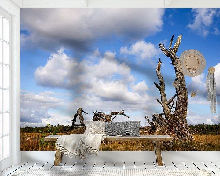 Sfeerimpressie behang: Dead tree van Elly Damen