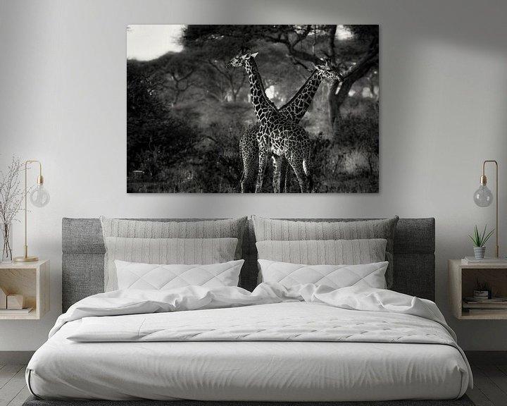 Sfeerimpressie: Giraffes in Tanzania zwartwit van Jovas Fotografie