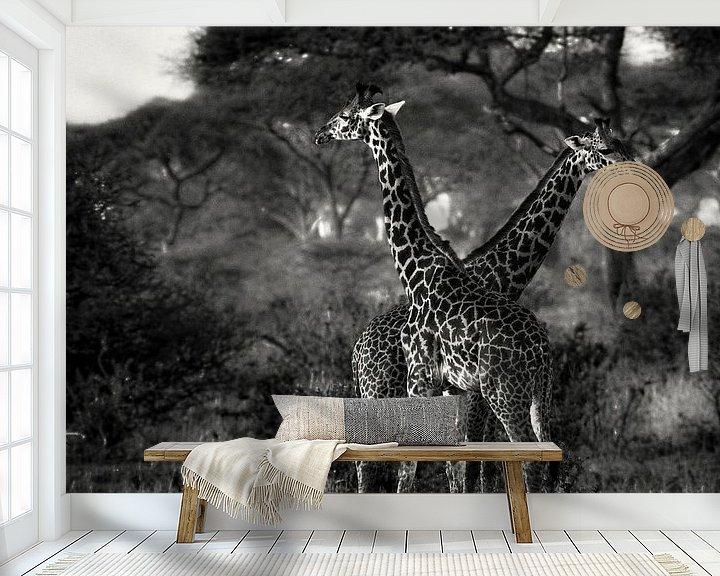 Sfeerimpressie behang: Giraffes in Tanzania zwartwit van Jovas Fotografie