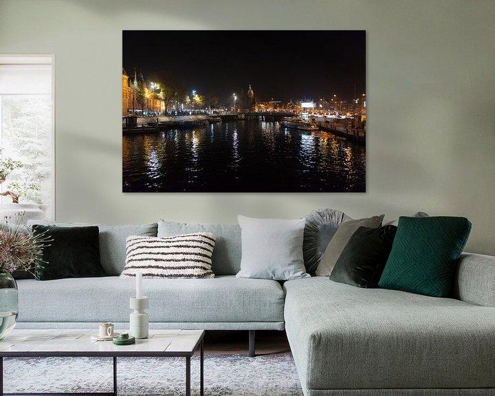 Sfeerimpressie: Amsterdam In De Nacht van Brian Morgan