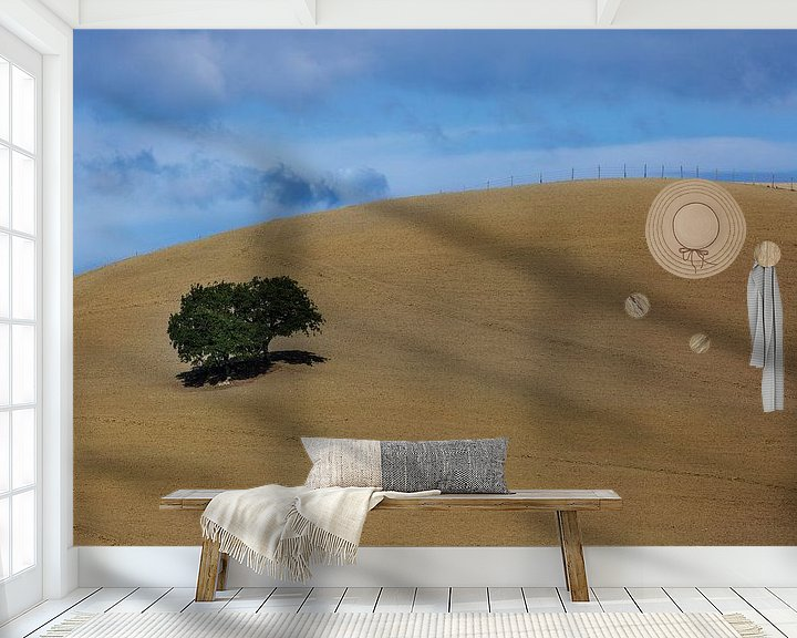 Sfeerimpressie behang: Landschap Minimalisme in Toscane van Steven Dijkshoorn