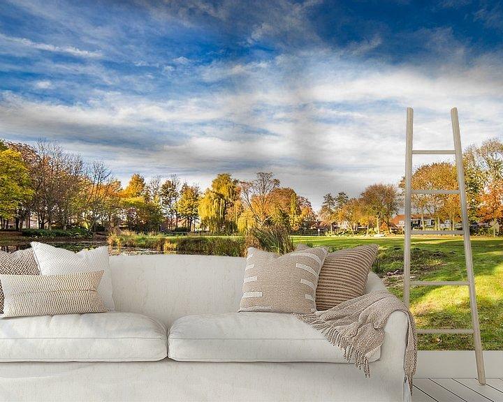 Sfeerimpressie behang: Koningspark in Herfstkleuren van Thomas van der Willik