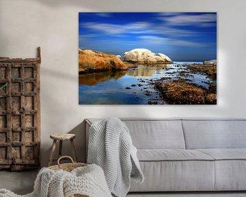 Reflectie van wolken aan de kust van Kaapstad van Heleen van de Ven