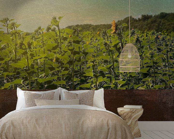 Sfeerimpressie behang: Zonnebloemen van Anouschka Hendriks