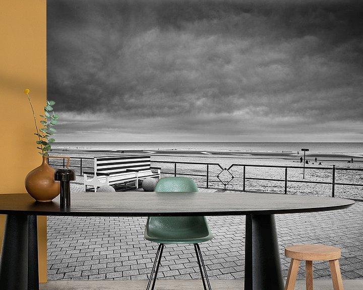 Sfeerimpressie behang: kustplaatsen Belgie, Middelkerke. van Daan Overkleeft