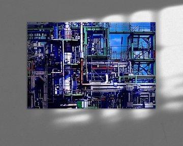 Oil (Olieraffinaderij met leidingen) van Caroline Lichthart