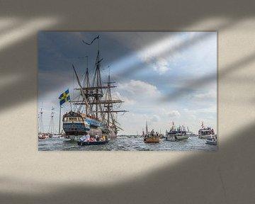 SAIL AMSTERDAM 2015: Tall Ship onderweg naar Amsterdam. van Renzo Gerritsen