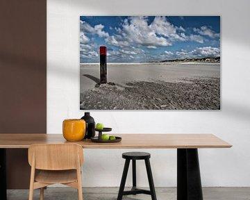 Strand Terschelling met strandpaal van Jan Sportel Photography