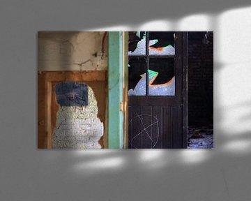 Detailopname van een verlaten gebouw von Richard van Oudheusden