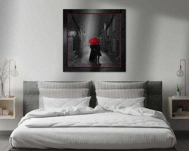 Sfeerimpressie: Samen onder de rode paraplu van Monika Jüngling