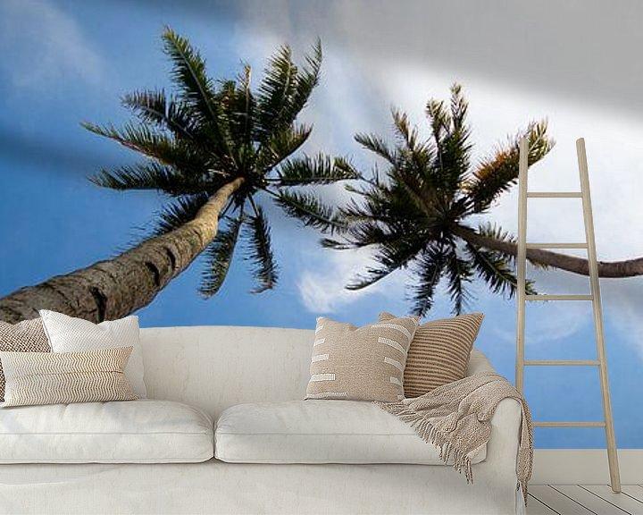 Sfeerimpressie behang: Tropisch uitzicht van Chantal Nederstigt