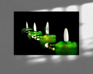 vier Kerzen brennen von Norbert Sülzner