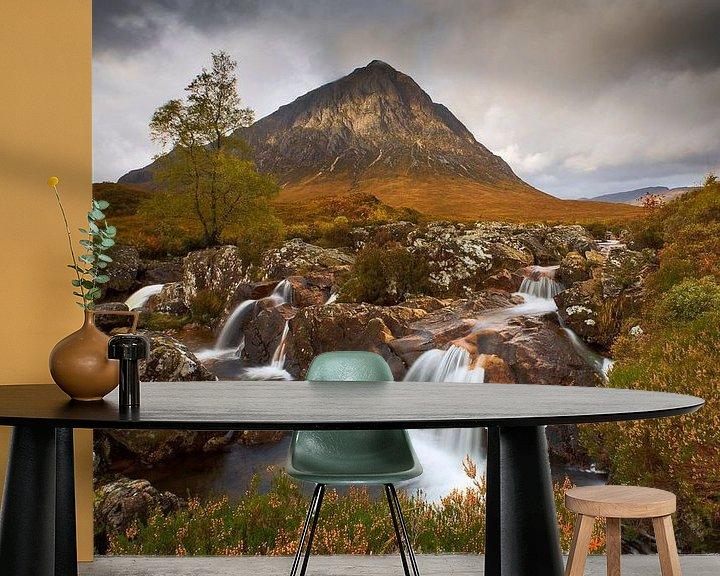 Sfeerimpressie behang: Buachaille Etive Mor, Schotland van Peter Bolman