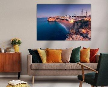 Golden Chalk Cliffs (Praia do Carvoeiro / Algarve / Portugal) van Dirk Wiemer