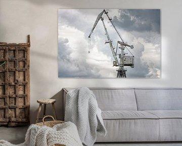 Gigantische oude haven kraan van Jan Brons