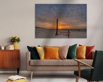 Het Noordzee strand van Terschelling bij zonsondergang van Tonko Oosterink