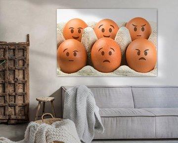 Eieren met gezichten en diverse uitdrukkingen van Tonko Oosterink