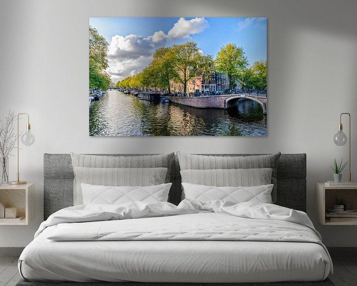 Sfeerimpressie: De Prinsengracht ter hoogte van de Reguliersgracht in Amsterdam. van Don Fonzarelli