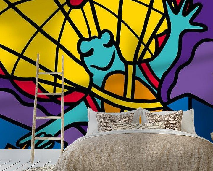 Sfeerimpressie behang: Kikker met parachute van ART Eva Maria