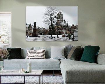 Delft - stadhuis in de sneeuw met kerstboom van Mariska van Vondelen