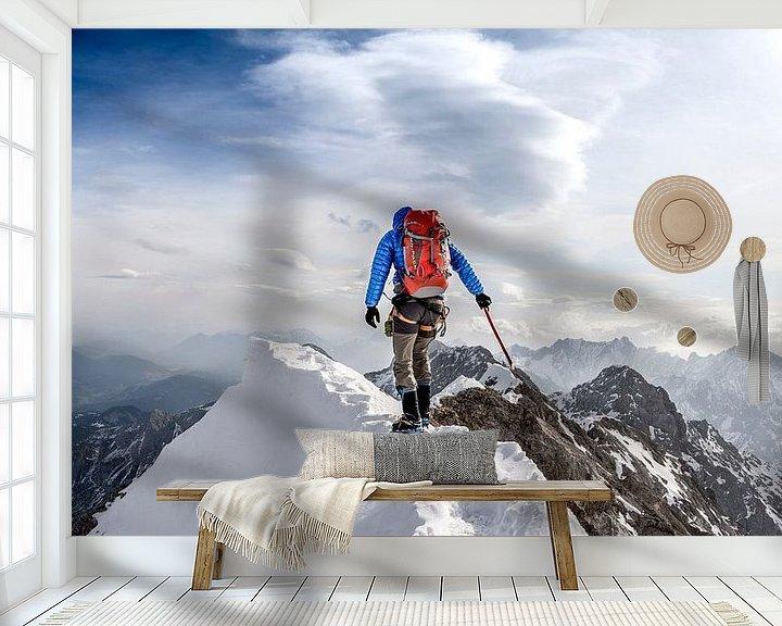 Sfeerimpressie behang: Climbing Jubiläum ridge, Zugspitze. van Ruben Dario