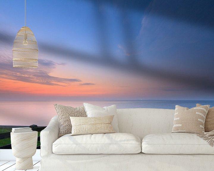 Sfeerimpressie behang: Laatste licht boven de Waddenzee van Niels Heinis