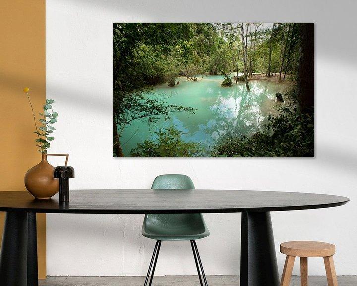Sfeerimpressie: Turquoise pool at Kuang Si waterfalls, Laos van Fleur Halkema